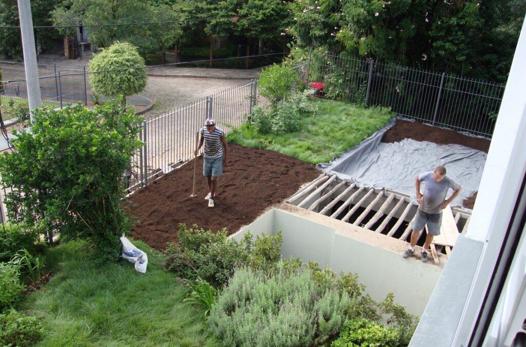 Cobertura verde com jardim sustentável agrega conforto ambiental à casa, veja!