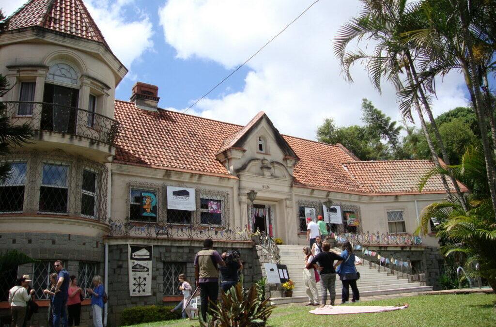 Jardim, música e poesia em uma ação coletiva na Vila Assunção