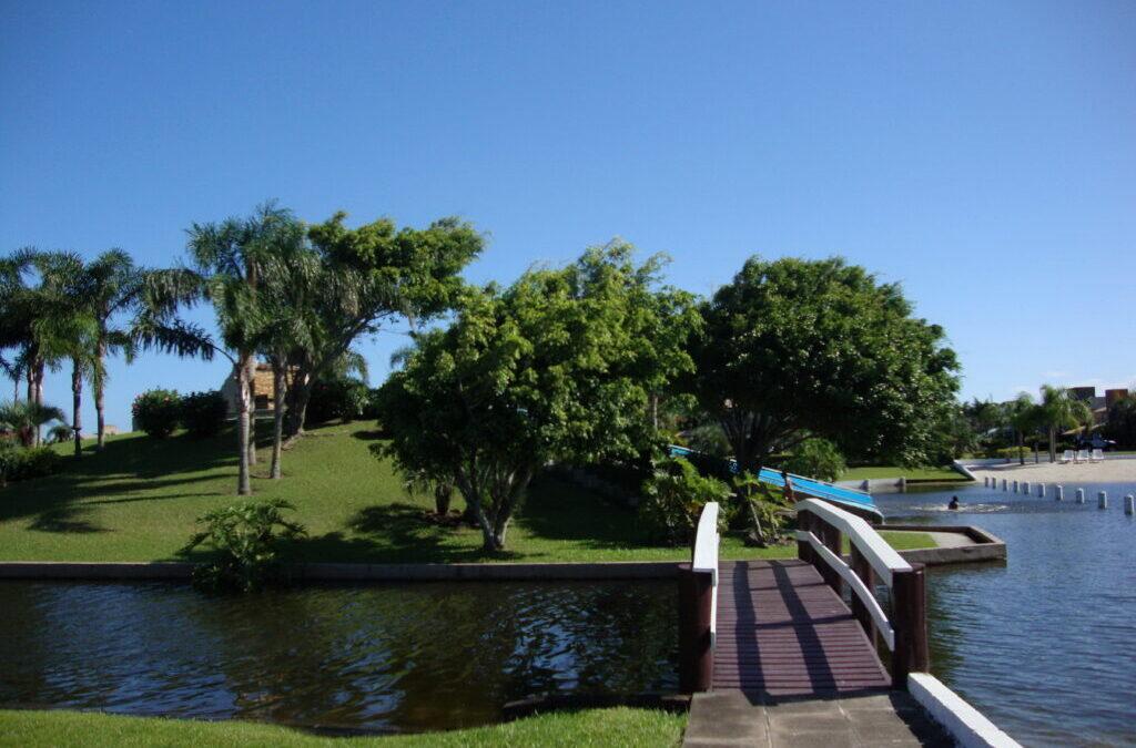 Áreas verdes para lazer dos condomínios no litoral