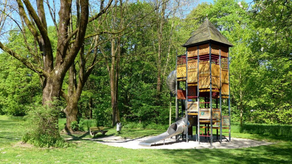 playground-1383133_1920