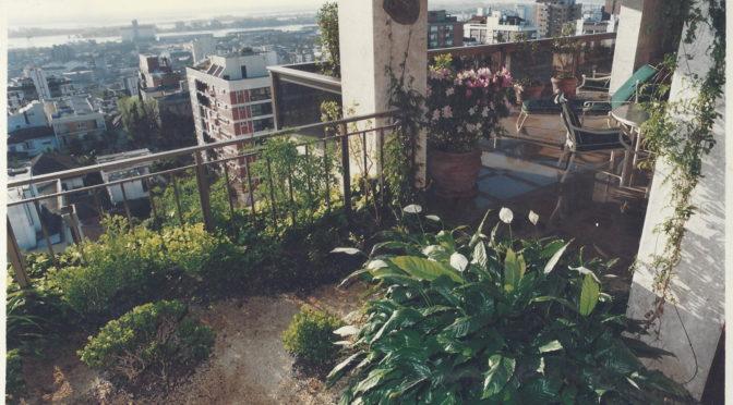 Jardim em sacada de apartamento