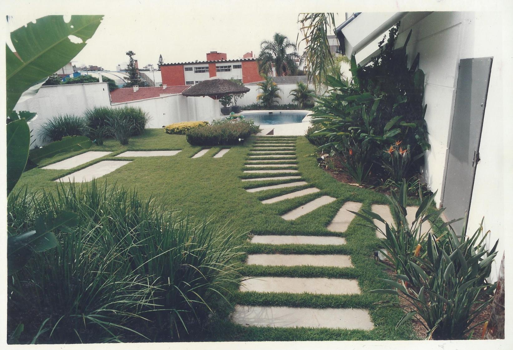 jardim-residencial-com-arq-helena-karpouzas-7-foto-eneida-serrano