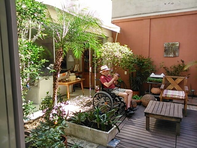 Apartment terrace turned into garden photo: Isabel Locatelli